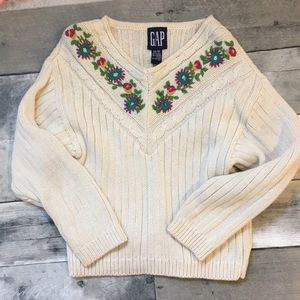 Vintage gap embroidered sweater